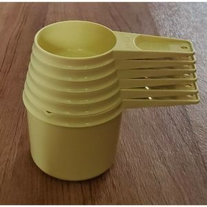 Tupperware Measuring Cups Harvest Gold #761